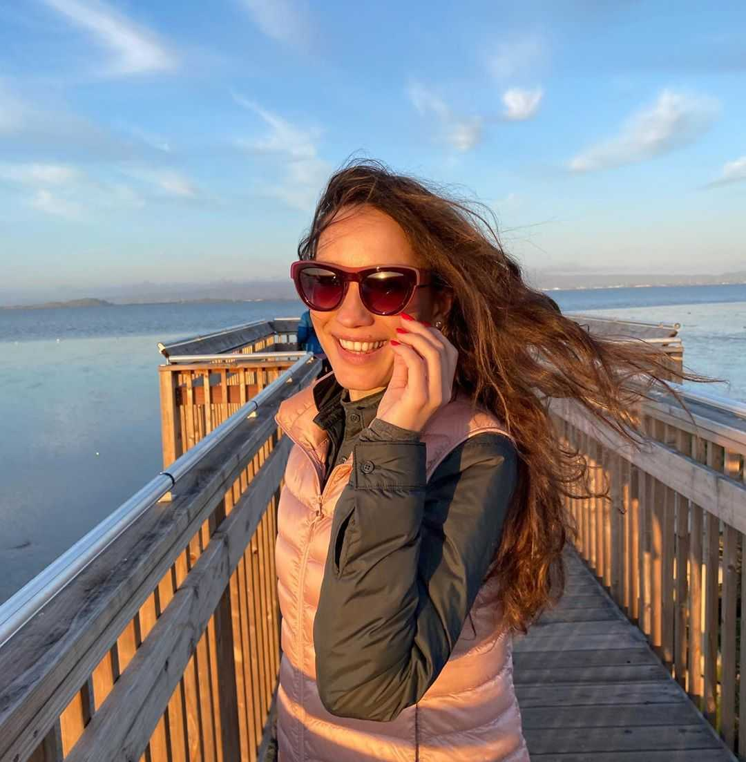 Виктория Дайнеко после 4-месячного отсутствия вернулась из США в Россию