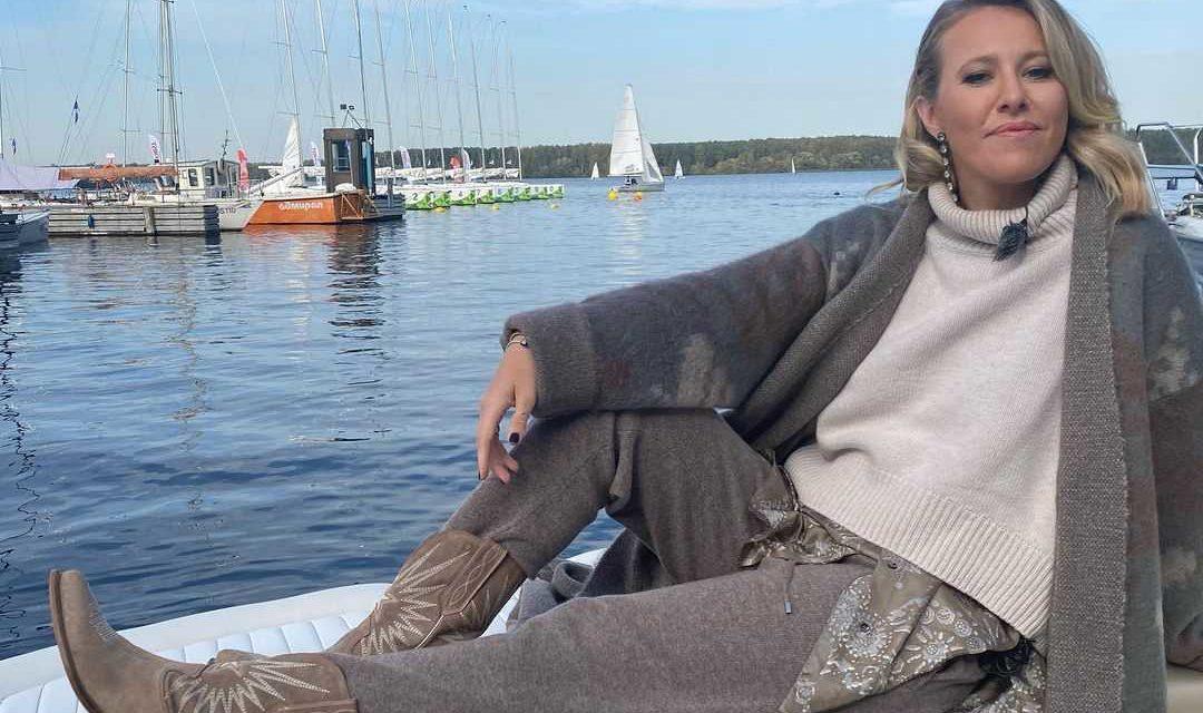 «Купила замок рядом с Галкиным и Пугачёвой?»: Ксению Собчак раскритиковали за новый дом