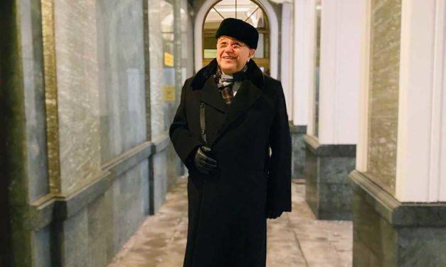 Евгений Петросян рассказал о новой молодой помощнице