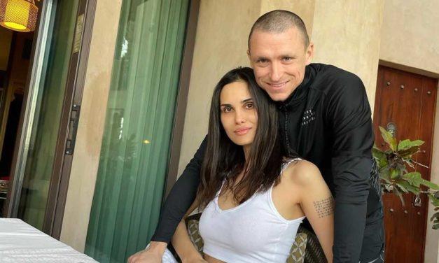 Супруга футболиста Павла Мамаева снова уличила его в измене