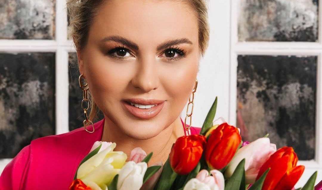 Анна Семенович объяснила, почему рассталась со своим возлюбленным