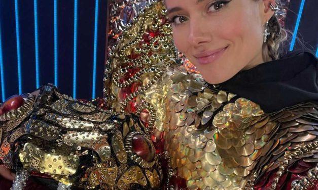 Певица Юлия Паршута сломала палец на съёмках известного шоу