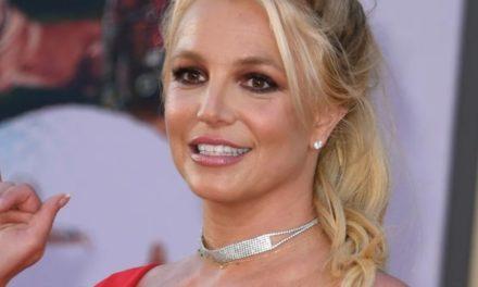 Бритни Спирс отказывается выступать на сцене