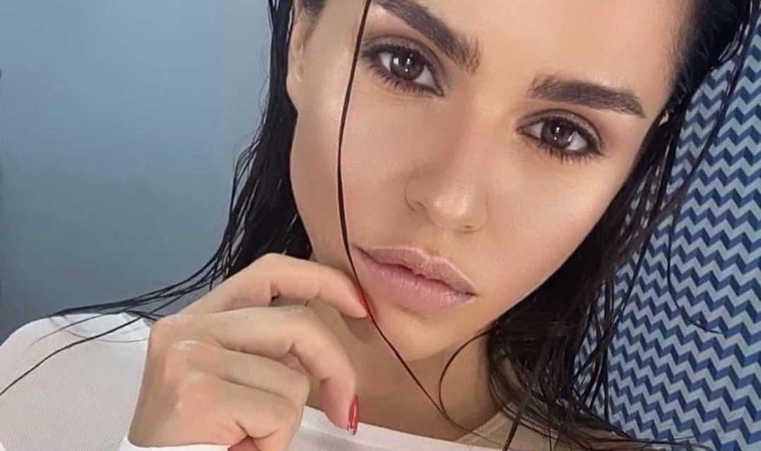 Певица Zivert получила солидный гонорар, но отказалась выступать на корпоративе